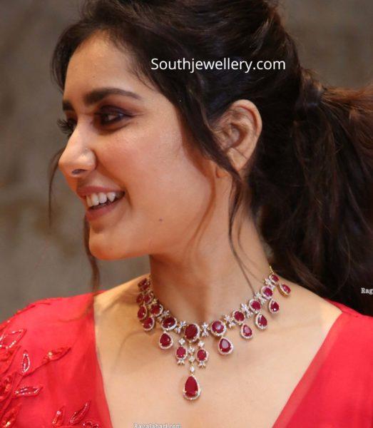 raashi khanna in ruby diamond necklace (1)