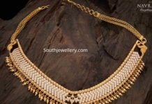 closed setting traditional diamond necklace