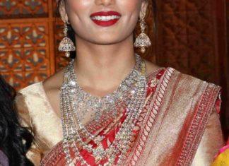 diamond jewellery set wedding guest (1)