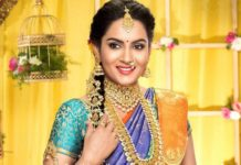 himaja in gold jewellery ad