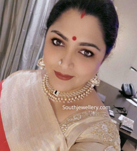 khushbu sundar in diamond pearl necklace and jhumkas (1)