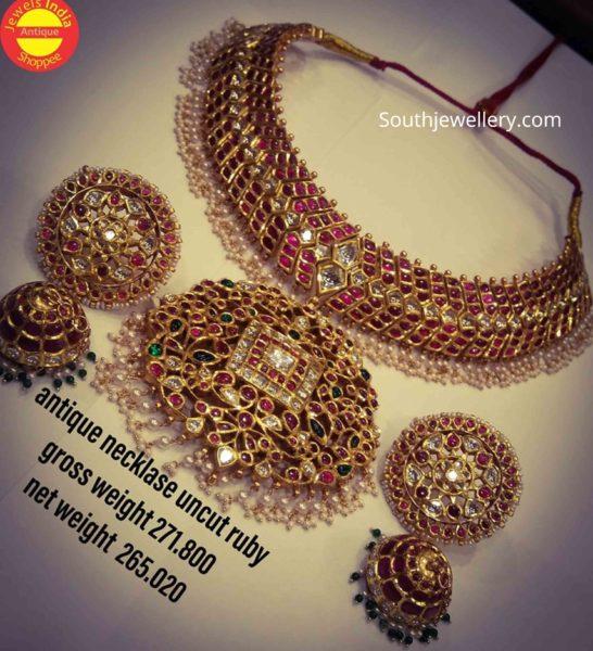 kundan necklace and jhumkas set