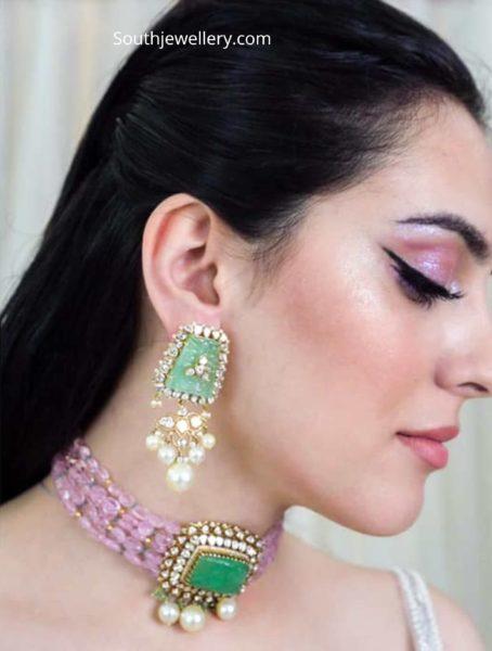 pink beads choker with emerald pendant (1)