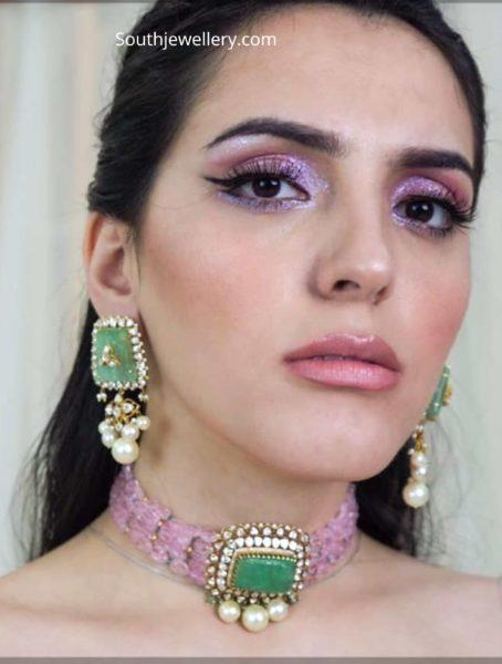 pink beads choker with emerald pendant