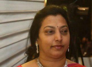 vasundhara nandamuri in diamond necklace