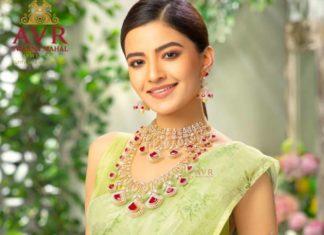 diamond ruby jewellery set rukshar dhillon