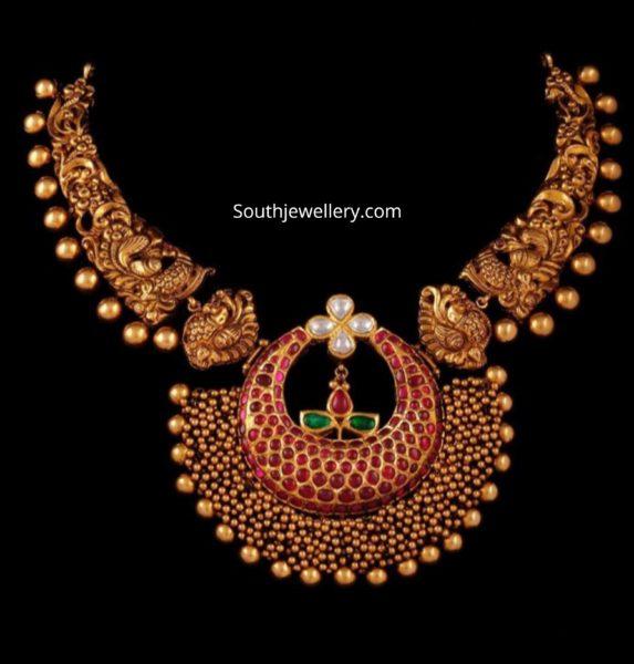 kante necklace with kundan pendant aarni by shravani