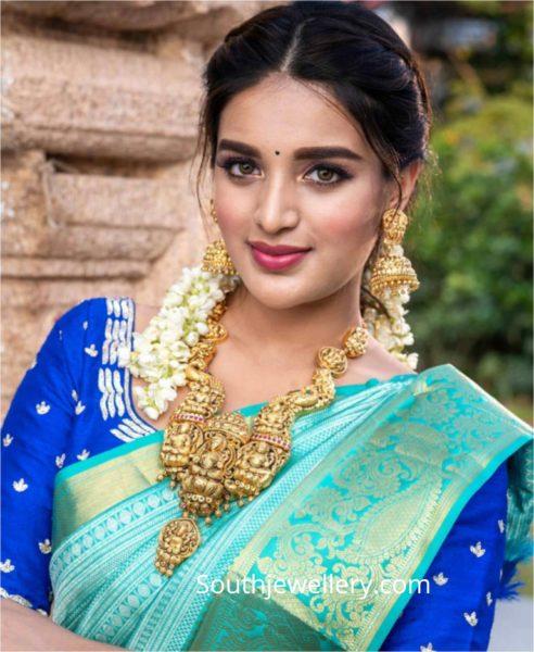 nidhhi agerwal in temple jewellery (1)