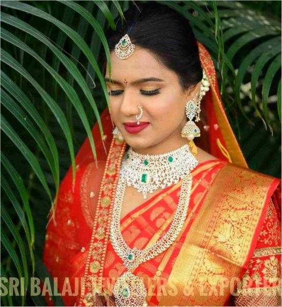 south indian bride diamond emerald jewellery