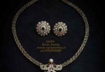 CLOSED SETTING DIAMOND NECKLACE WITH PENDANT