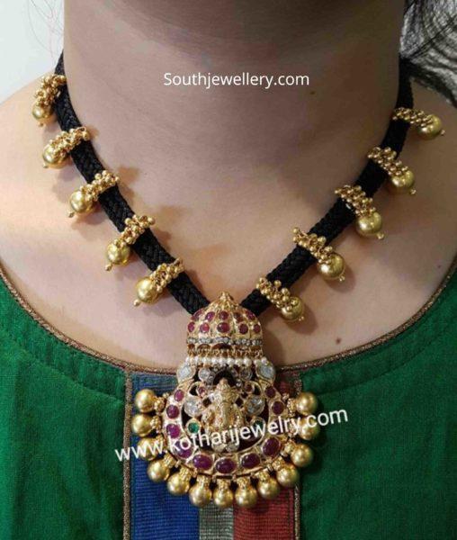 black thread necklace (1)