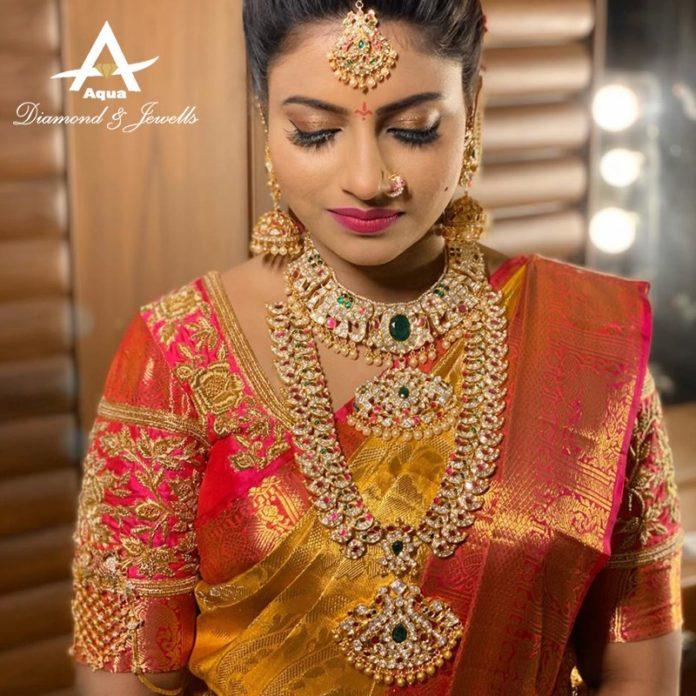 bride in kundan jewellery