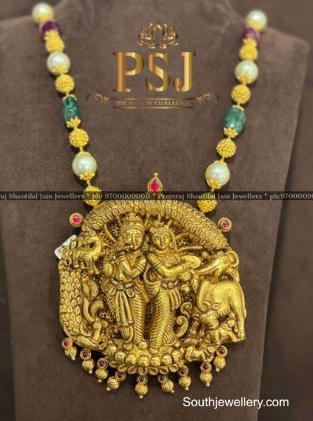 beads necklace with radha krishna pendant