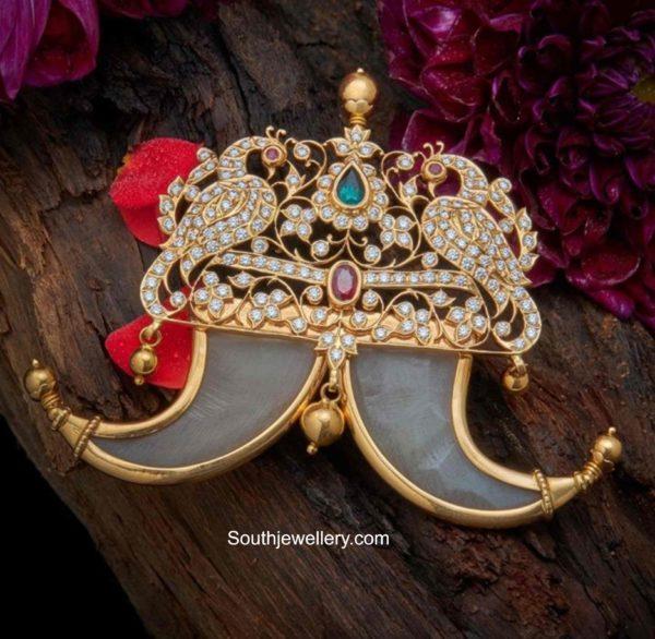diamond peacock puligoru pendant