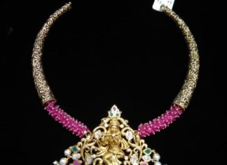 kante necklace with kridhna pendant
