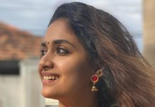 keerthy suresh gold necklace