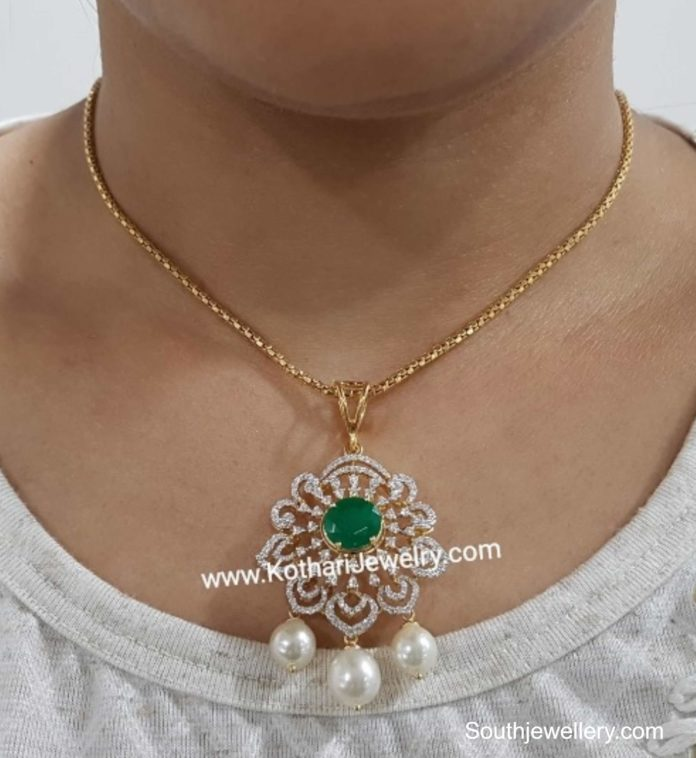 simple gold chain with diamond pendant