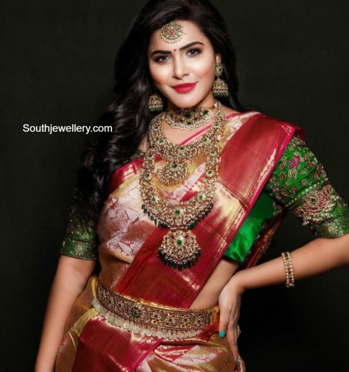 ashuu reddy in amarsons pearls and jewels