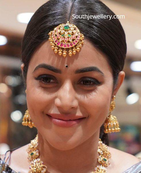 actress poorna gold long haram