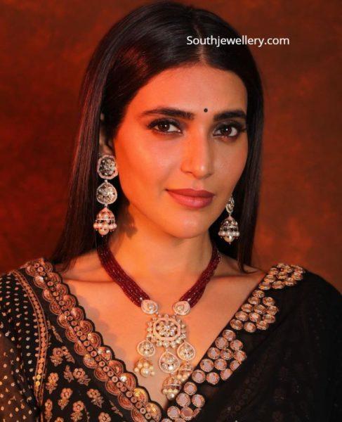 karishma tanna jewellery