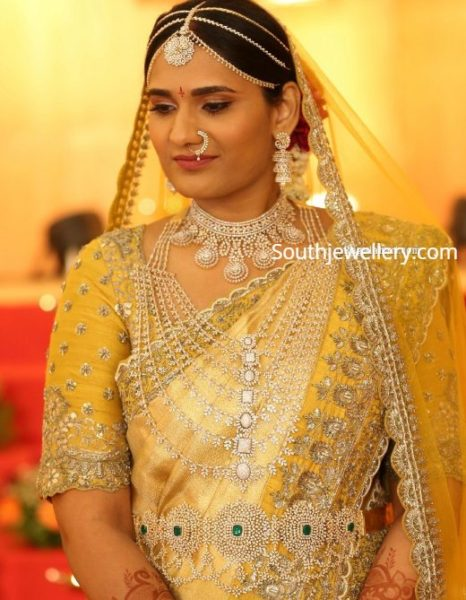 southindian bride in diamond jewellery