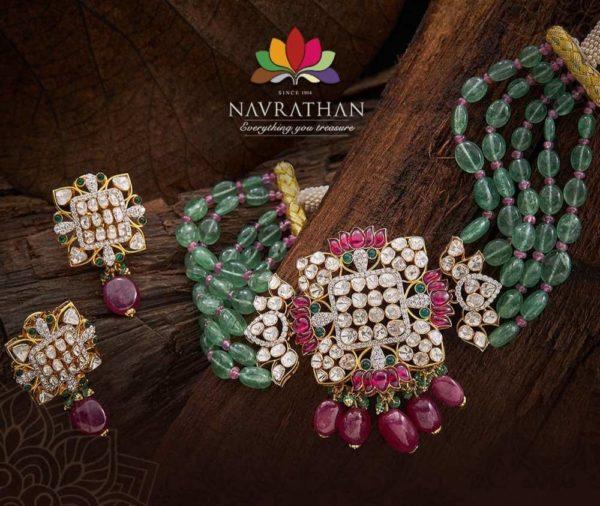 emerald beads choker with polki pendant (2)