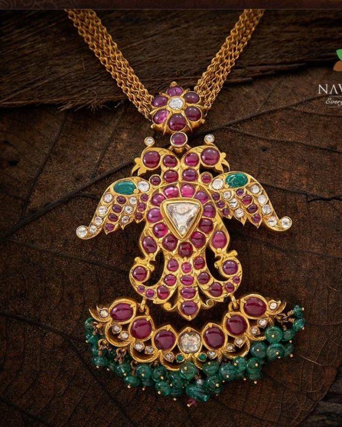 kundan peacock pendant