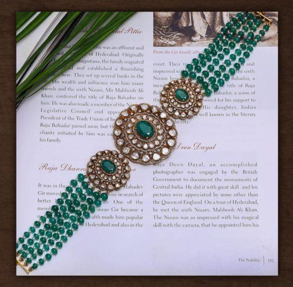 emerald beads choker with polki pendant (3)