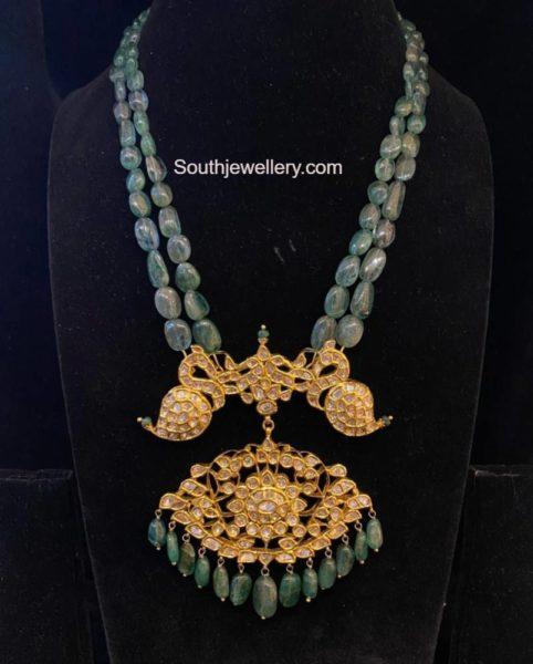 emerald beads haram with polki pendant (2)