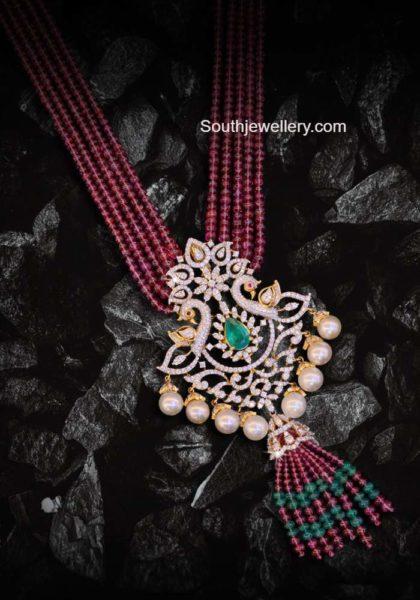 red beads haram with kundan pendant