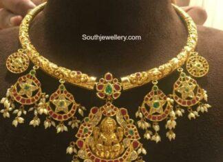 kante nakshi necklace with kundan pendants