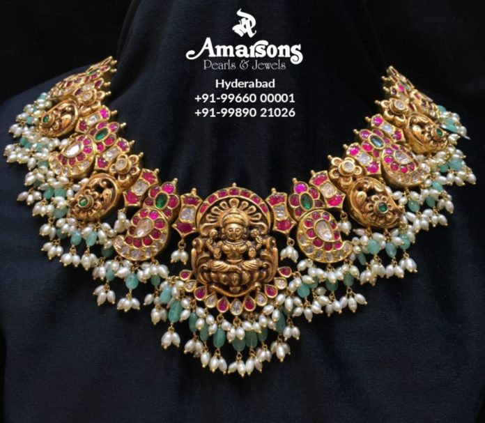 kundan nakshi necklace with Lakshmi pendant