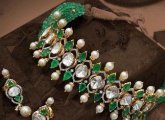 polki and emerald choker and earrings