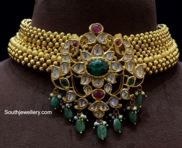 antque gold choker with polki pendant