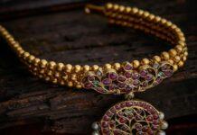 antique gold balls choker with kundan pendant