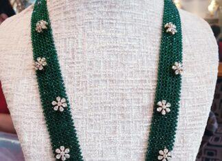green beads long haar