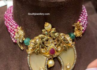 beads choker with puligoru pendant