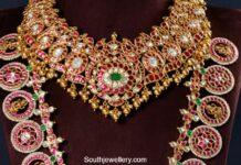 kundan necklace and bottu haram neelkanth