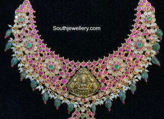 kundan necklace with lakshmi pendant