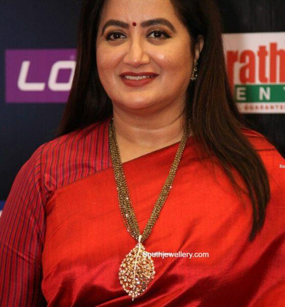 sumalatha ambreesh nllapusalu necklace